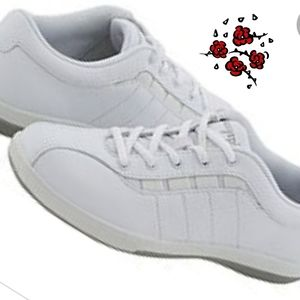 👟Easy Spirit leather cheer shoes